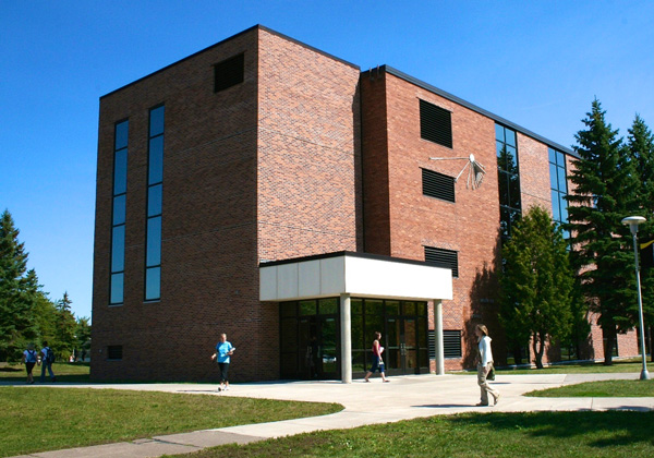 Barstow Hall is home of the lake Superior Research Institute main office and many of its laboratories.