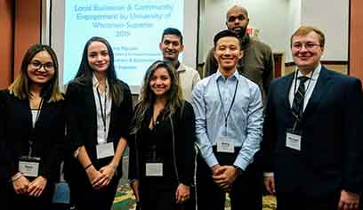 Economics students participate in Wisconsin Economics Association annual meeting