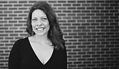 The University of Wisconsin-Superior Music Department will host soprano Vicki Fingalson for its University Recital Series on Tuesday, March 26, at 7:30 p.m. in the Webb Recital Hall.